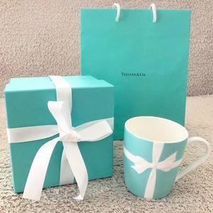 Tiffany & Co. Blue bow tie mug